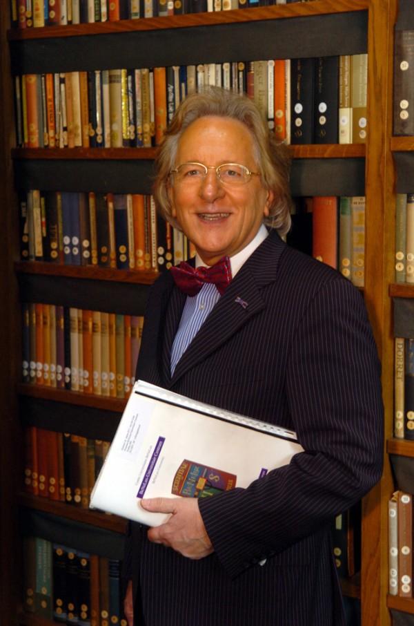 Prof. Anton van der Geld aan het werk in Den Haag