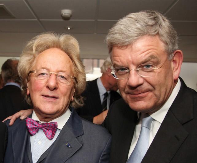Burgemeester Jan van Zanen bij de boekpresentatie van Anton van der Geld