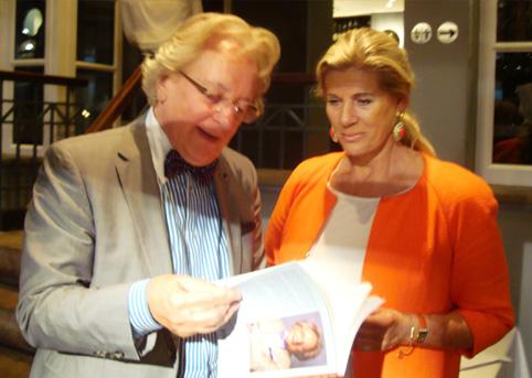 BeNeLux-Universitair Centrum 'in bespreking': prinses Lea van België, beschermvrouwe B.U.C. en prof. Anton van der Geld, president.